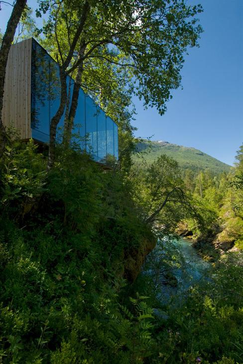 Juvet_landscape_hotel_jsa_4a
