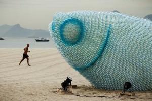 Giant-fish-sculptures2