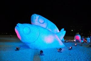 Giant-fish-sculptures4